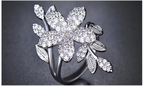18K White Gold Crystal Floral Ring Made With Crystals From Swarovski