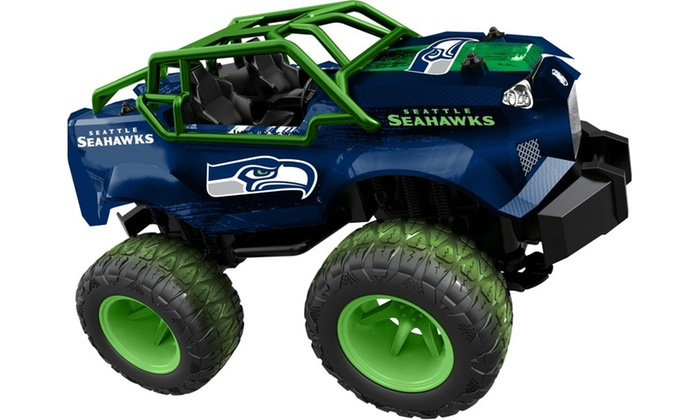 Toys For Trucks Green Bay : Officially licensed nfl remote control monster trucks by