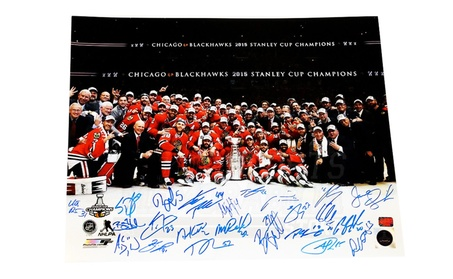 Chicago Blackhawks Stanley Cup Team Signed Autographed 16x20 Photo c7d7bd8f-21ee-4da4-b555-58c14d956881