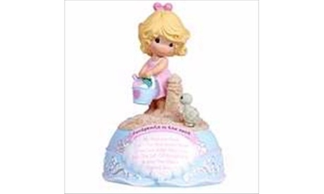 Precious Moments 115228 Figurine Musical Girl Footprints Jesus Loves Me (Goods Toys Action Figures) photo