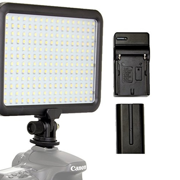 Focus 12V 1400 Lumens LED Video Light with Build-In Color Temp Switch