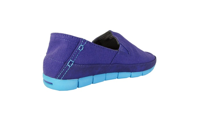 8a1aae68b07dd Up To 73% Off on Crocs Womens  Stretch Sole  S...