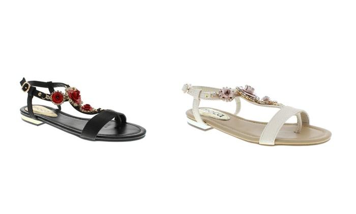 Moca Woman's Rhinestone Flower Sandals