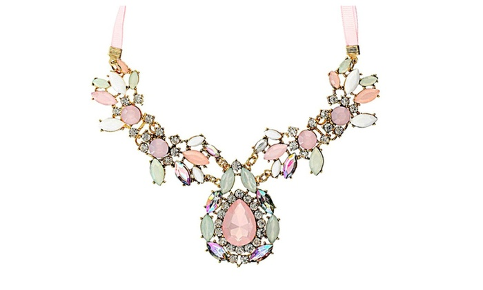 Pesci Moda: Colored Faux Gemstone Embellished Necklace