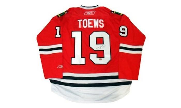 timeless design 828ae 202d5 Autographed Jonathan Toews Chicago Blackhawks Jersey FHS28