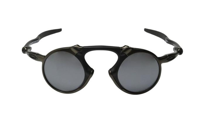 a71124ab51 Oakley Men s Madman Polarized Iridium Round Sunglasses