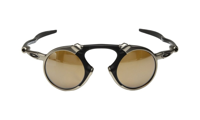 7f4c52d8ac ... Oakley Men s Madman Polarized Iridium Round Sunglasses