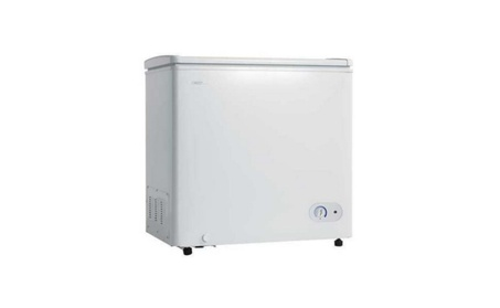 5.5 Cu. Ft. Chest Freezer 1 Basker Up Front Temperature Control photo