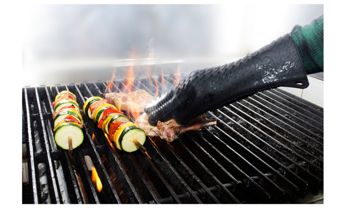 Waterproof BBQ GlovesHeat Resistant Silicone Oven MittsGrilling or Cooking