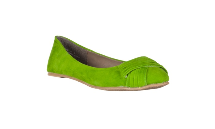 Riverberry Women's 'Jump' Ruched-detail Microsuede Flats, Green
