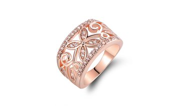18K Rose Gold Floral Ring made with crystals from Swarovski