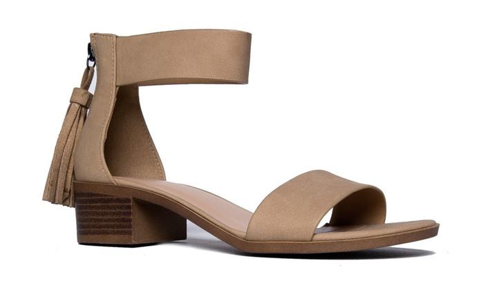 Ankle Strap Kitten Heel – Strappy Block Heel – Cute Low Sandal