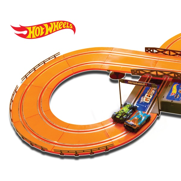 3a7463376 Hot Wheels Battery Operated 9.3 ft. Slot Track
