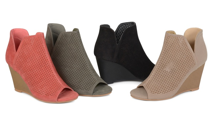 eae52e21af27 Journee Collection Womens Andies Wedge