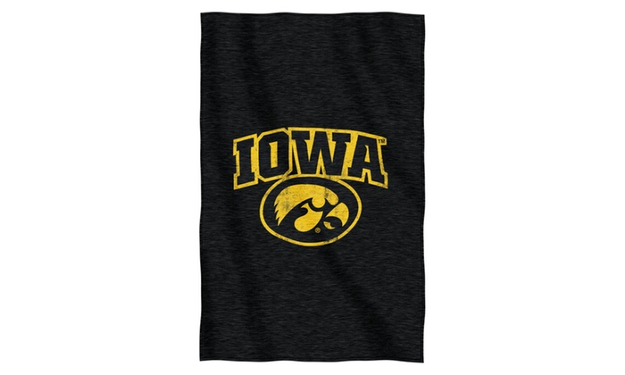 COL 100 Iowa Sweatshirt Throw