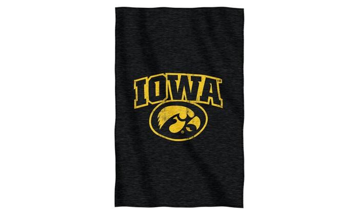 COL 100 Iowa Sweatshirt Throw