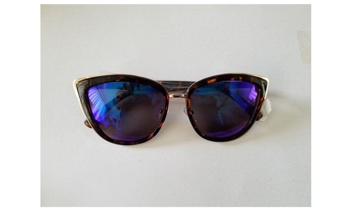 Oversized mirrored lens cats eye womans sunglasses