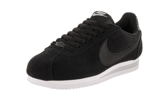 sports shoes 2b340 9c0b4 Nike Women s Classic Cortez Prem Casual Shoe