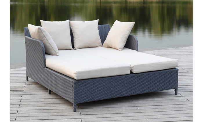 Safavieh Outdoor August Rattan Daybed ...