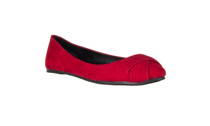 Riverberry Women's 'Jump' Ruched-detail Microsuede Flats, Red