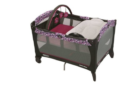 Graco® Pack 'n Play® Playard with Reversible Napper and Changer, Pammi b816370f-d845-4c1f-8049-1885fe529336