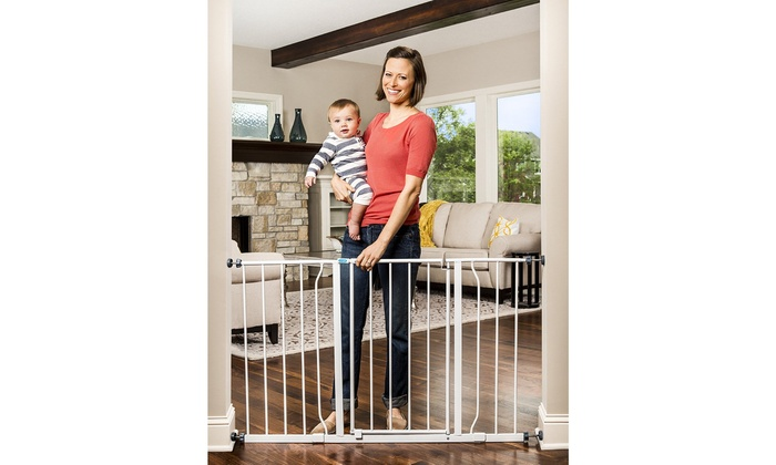 Regalo Easy Step Extra Tall Walk Thru Baby Gate Bonus Kit