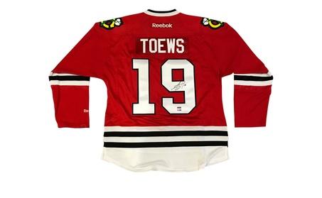 Autographed Jonathan Toews Chicago Blackhawks Jersey fa5cf083-ef5e-4420-ad65-dcc1a2d95382