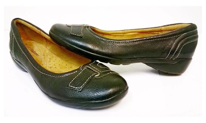 Ladies naturalizer black leather shoes size 6