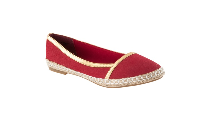 Riverberry Women's 'Flora' Microsuede Casual Flats, Red