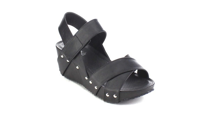 Beston AA99 Crisscross Ankle Strap Platform Studded Wedge Sandals
