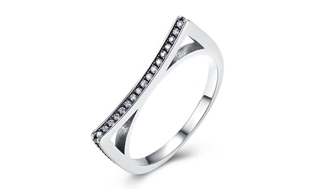 0.925 Sterling Silver Curved Black Crystal Ring 53502ac4-f059-48c7-ace9-9c2cc7b94265