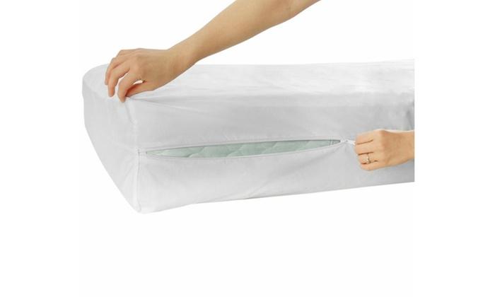 Hypoallergenic 100 Waterproof Mattress Encasement Bed
