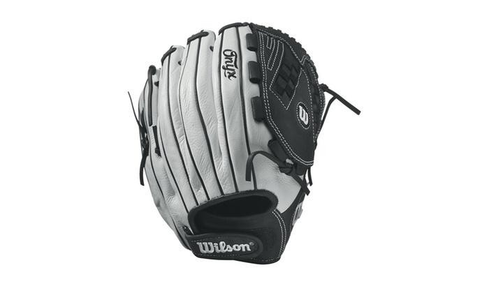Wilson Onyx Fastpitch Softball 12.5in Pitcher/OF Glove-RH